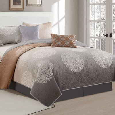 3 Piece Reversible Quilt Set Size: Queen