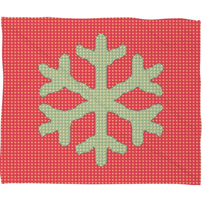 Oosterhout Snowflake Plush Fleece Throw Blanket Size: Small