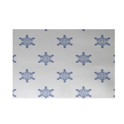 Flurries Decorative Holiday Print White Indoor/Outdoor Area Rug Rug Size: 2 x 3