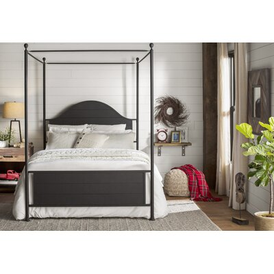 Eglantier Canopy Bed Size: Queen