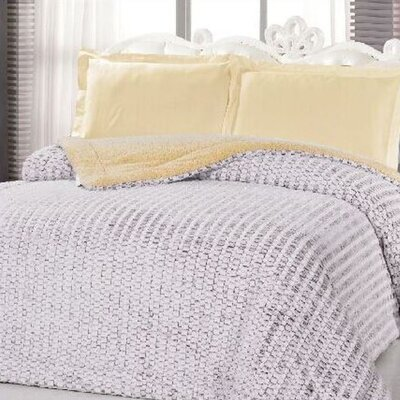Borrego Luxurious 3 Ply Embossed Blanket