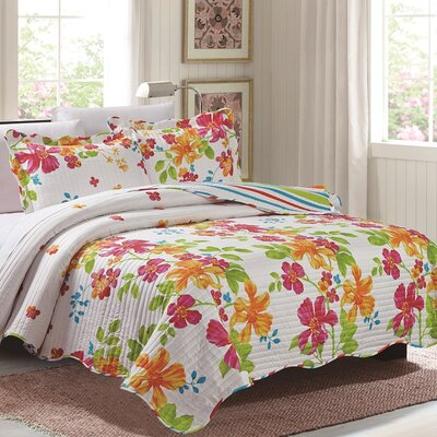 Maya 3 Piece Reversible Quilt Set Size: King