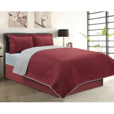 Sherry 3 Piece Reversible Quilt Set Color: Burgundy, Size: King