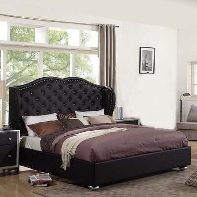 King Arthur Upholstered Platform Bed Size: Queen