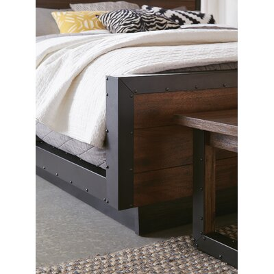 Dahlke Platform Bed Size: California King