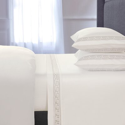 Chasing Embroidered 4 Piece 600 Thread Count 100% Cotton Sheet Set Size: Queen, Color: Cream