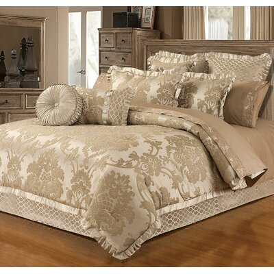 Layd 4 Piece Reversible Comforter Set Size: King