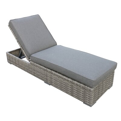 Kaiser Chaise Lounge with Cushion