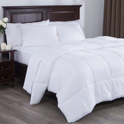 Light Weight Down Alternative Comforter Size: Full/Queen
