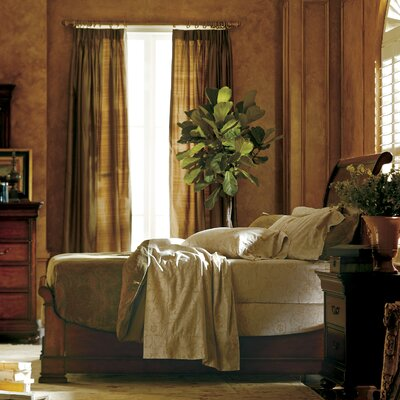 Davison Sleigh Bed Finish: Orleans, Size: King