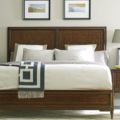 Hyde Platform Bed Size: King