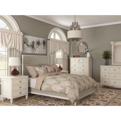 Causey Park Platform Customizable Bedroom Set