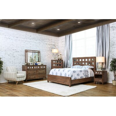 Roscommon Platform Customizable Bedroom Set