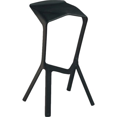 32 Bar Stool Finish: Black