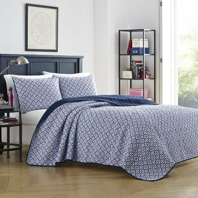 Toulon Reversible Quilt Set Size: Full/Queen