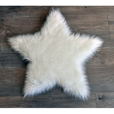 Faux Fur White Area Rug Rug Size: 3 x 3
