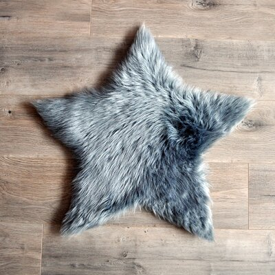 Star Faux Fur Gray Area Rug Rug Size: 2 x 2