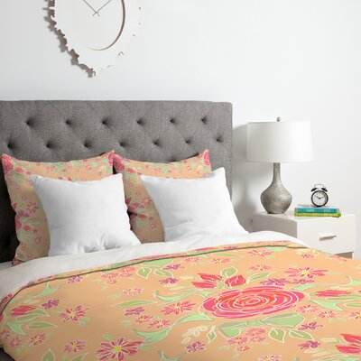 Sweet Rose Delight Duvet Cover Set Size: Queen