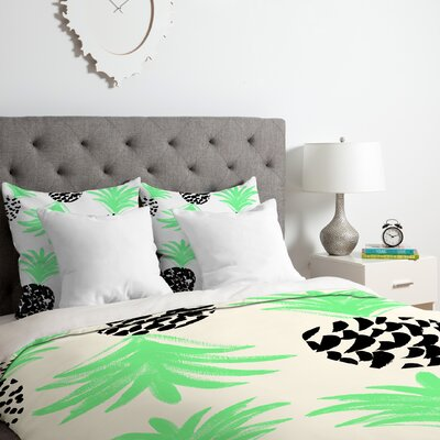 Pineapples Duvet Cover Set Size: Queen