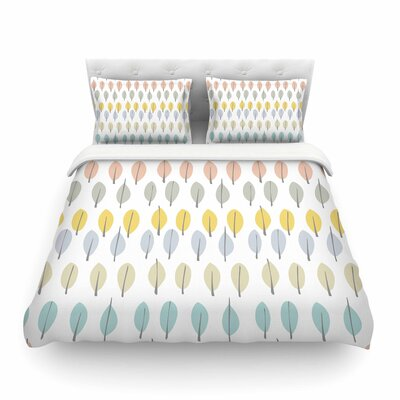 Simple Leaves by Gukuuki Featherweight Duvet Cover Size: Full/Queen