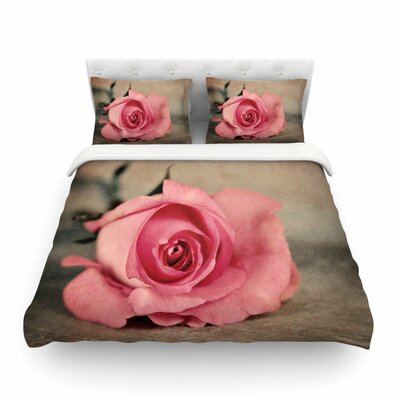 A Touch of Romance by Agnes Schugard Featherweight Duvet Cover Size: King