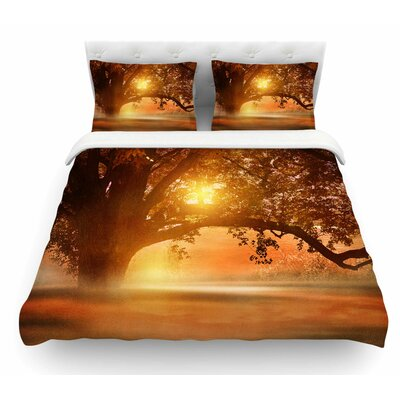 Romance in Autumn by Viviana Gonzalez Featherweight Duvet Cover Size: Queen