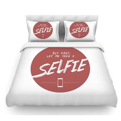 Let Me Take a Selfie by Juan Paolo Featherweight Duvet Cover Size: Queen