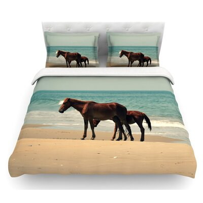 Sandy Toes by Robin Dickinson Beach Horses Featherweight Duvet Cover Size: Queen