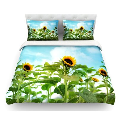 Sunflower Field by Sylvia Cook Featherweight Duvet Cover Size: King