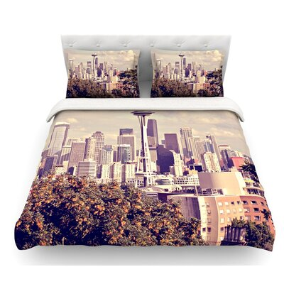Space Needle by Sylvia Cook Skyline Featherweight Duvet Cover Size: Twin