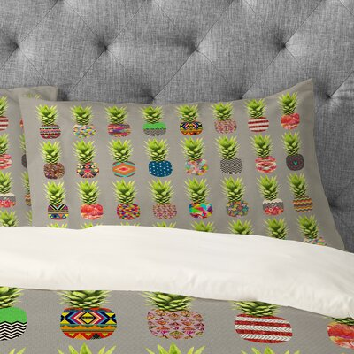 Pineapple Party Pillowcase Size: Standard
