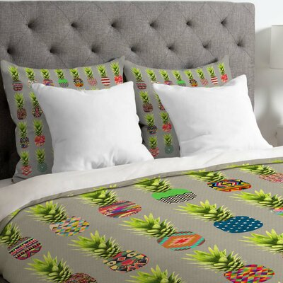 Pineapple Party Lightweight Duvet Cover Size: King