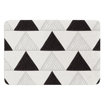 Textured Triangles by Laurie Baars Bath Mat Color: Green