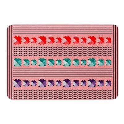 Romantic Love Pattern by Famenxt Bath Mat Size: 17W x 24L