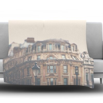 London Town by Laura Evans Fleece Blanket Size: 40 L x 30 W