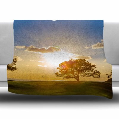 Approach Shot by Juan Paolo Fleece Blanket Size: 80 L x 60 W