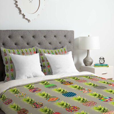 Pineapple Party Duvet Cover Set Size: Queen