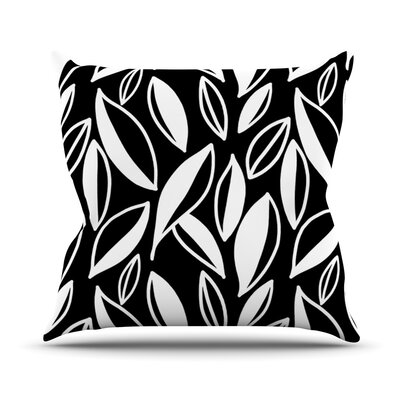 Leaving Outdoor Throw Pillow Color: Black and White