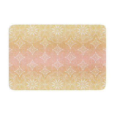 Medallion by Suzie Tremel Bath Mat Color: Blush/Ombre