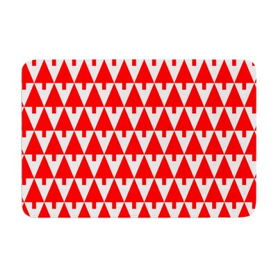 Happy X-Mas by Gabriela Fuente Bath Mat Color: Red, Size: 24 W x 36 L
