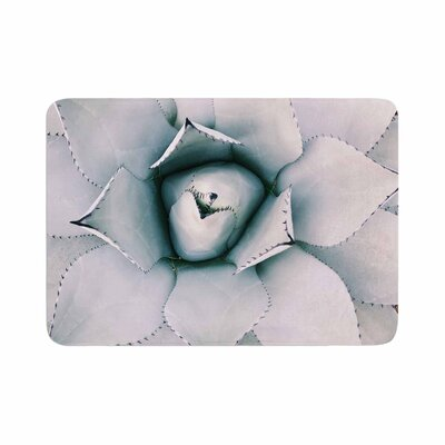 Chelsea Victoria Northern Star Floral Memory Foam Bath Rug Size: 0.5 H x 17 W x 24 D