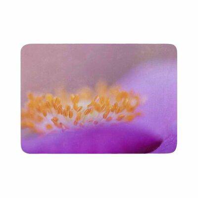 Iris Lehnhardt Grace Floral Memory Foam Bath Rug Size: 0.5 H x 17 W x 24 D