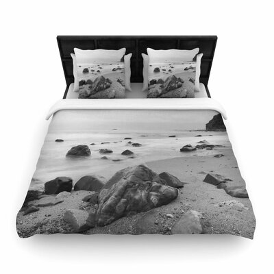 Nick Nareshni Water Moving Around Rocks Woven Duvet Cover Size: King