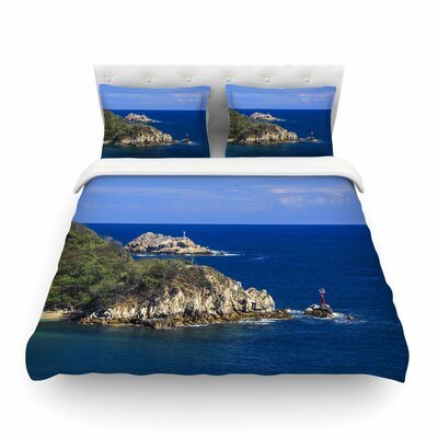 Nick Nareshni Stone Ocean Walls Photography Featherweight Duvet Cover Size: King