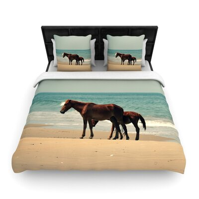Robin Dickinson Sandy Toes Beach Horses Woven Duvet Cover Size: King