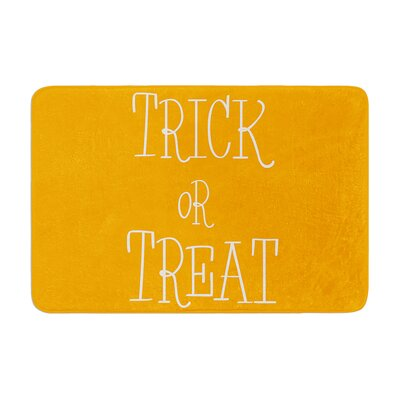 Trick or Treat Memory Foam Bath Rug Color: White, Size: 0.5 H x 17 W x 24 D
