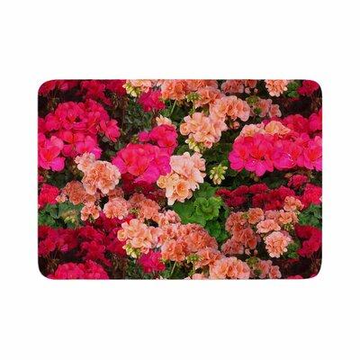 Louise Machado Geranios Floral Memory Foam Bath Rug Size: 0.5 H x 17 W x 24 D