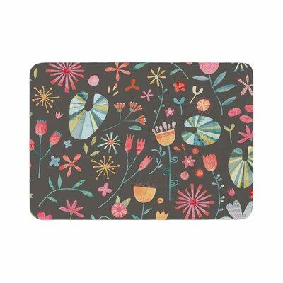 Nic Squirrell Wayside Flowers Floral Memory Foam Bath Rug Size: 0.5 H x 24 W x 36 D