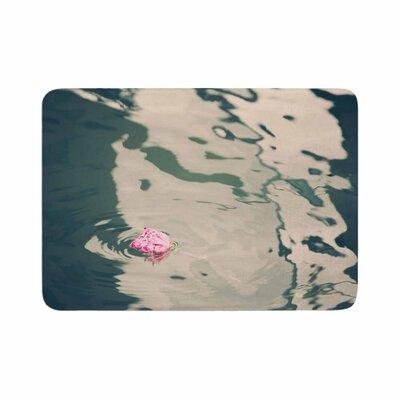 Sylvia Coomes Venetian Rose Memory Foam Bath Rug Size: 0.5 H x 17 W x 24 D