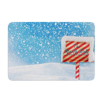 Snap Studio North Pole Snow Memory Foam Bath Rug Size: 0.5 H x 17 W x 24 D